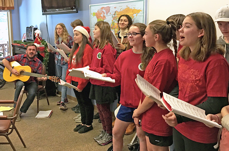 grauer school students performing Christmas carols